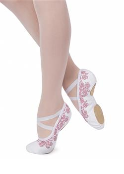 Fleur de Ballet collection. The model has a U-shaped high vamp and split leather sole (vegan sole by special order).