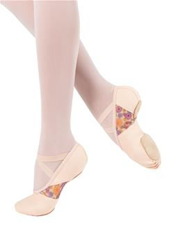 Fleur de Ballet collection. The model has a U-shaped high vamp and split leather sole.